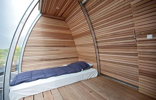 Free-Floating-Tiny-Home-in-the-Netherlands-002-600x386