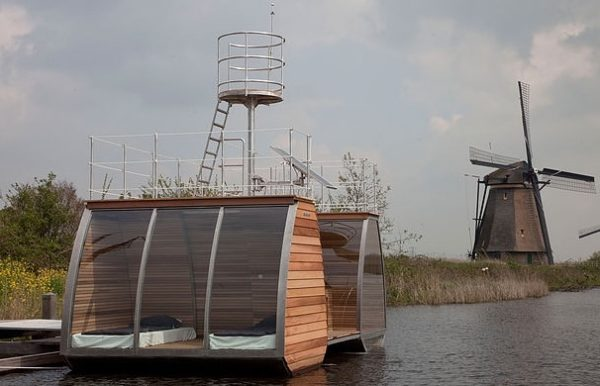 Free-Floating-Tiny-Home-in-the-Netherlands-006-600x386