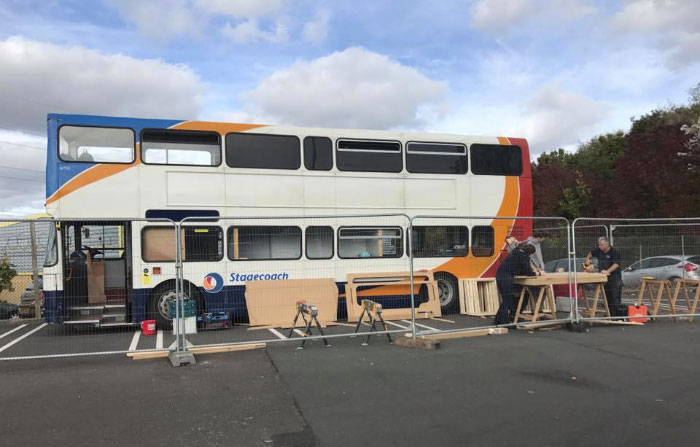 double-decker-bus-homeless-shelter-12-5a1c2537db188__700
